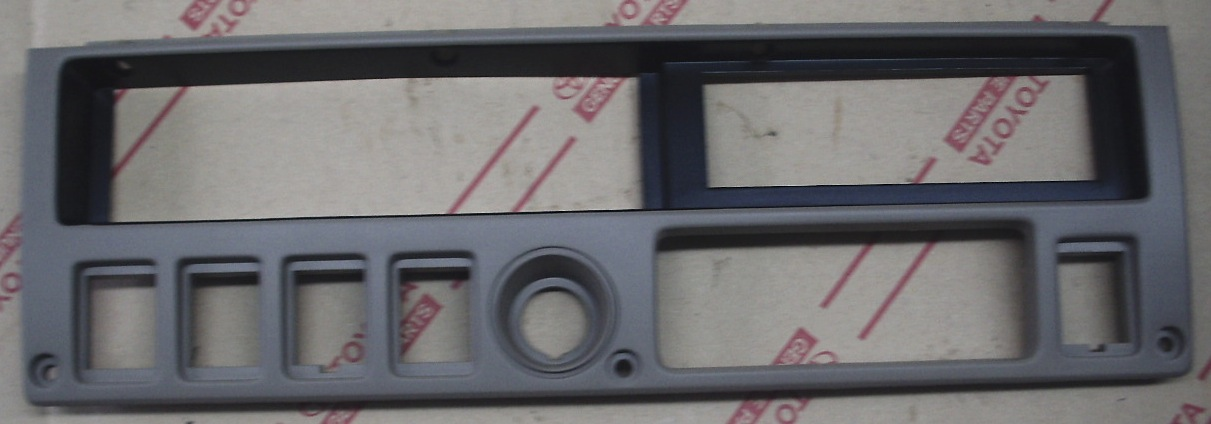 Center Dash Instrument Panel Bezel 81-87